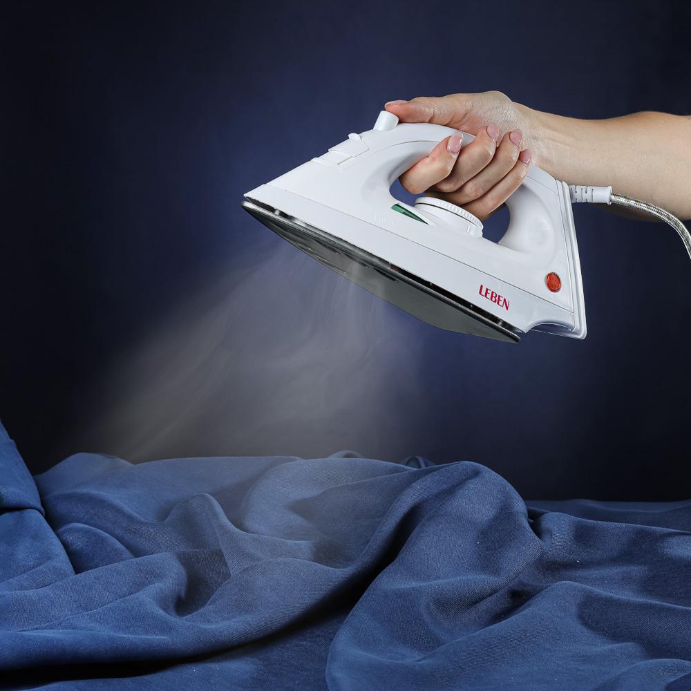 LEBEN Утюг с отпаривателем 1200 Вт, подошва - антипригарное покрытие, арт.№ 249-005